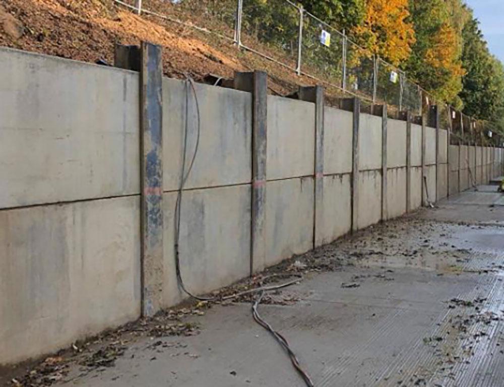 Kingpost – Concrete Retaining Wall